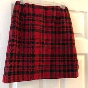 Black and red plaid Eddie Bauer skirt. 6P.